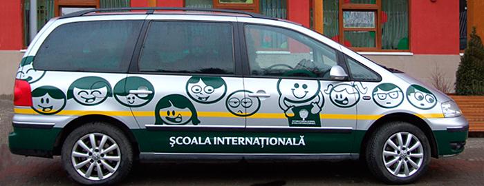Carbranding pentru Școala Internationala Happy Kids. Făcut de Dexign.
