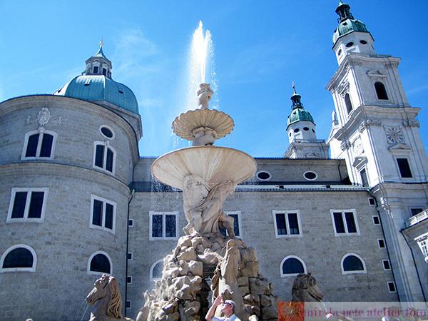 Salzburg residenz brunnen fountain