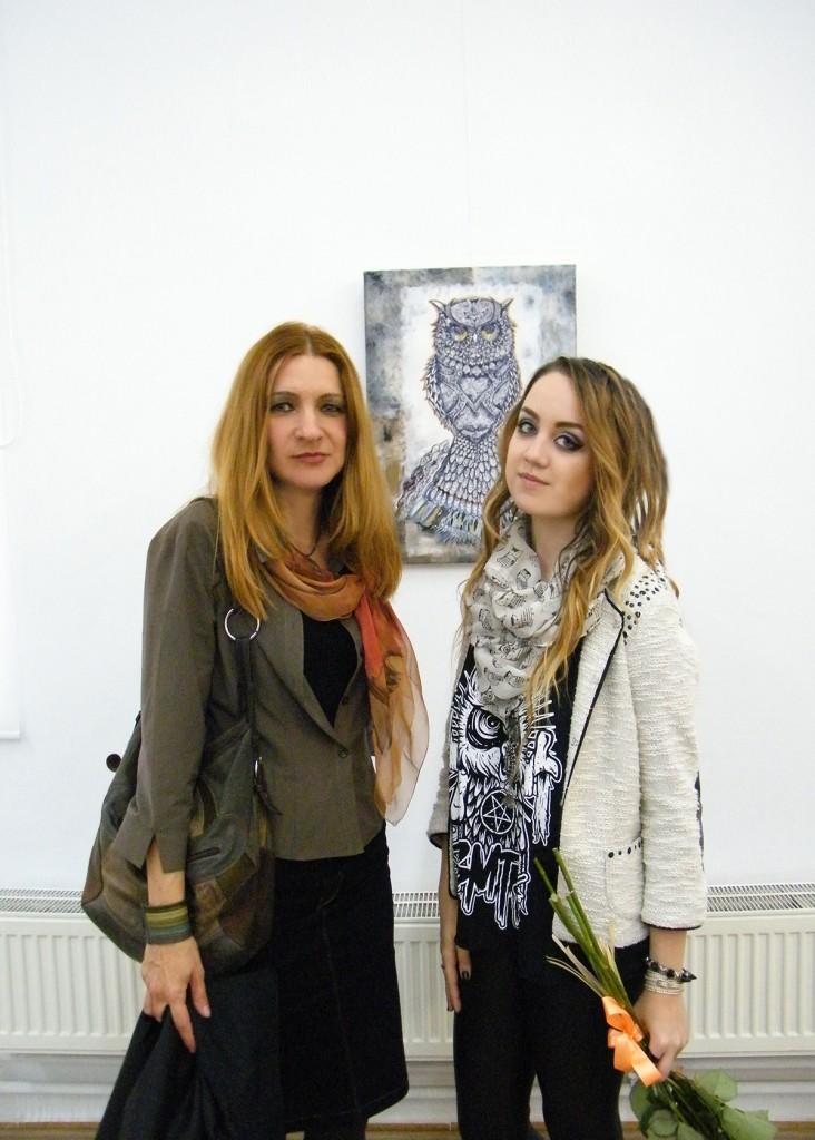 enya cu monica Expozitia Strigisforme solitare, artist Enya Pete 14.10.2014 vernisaj