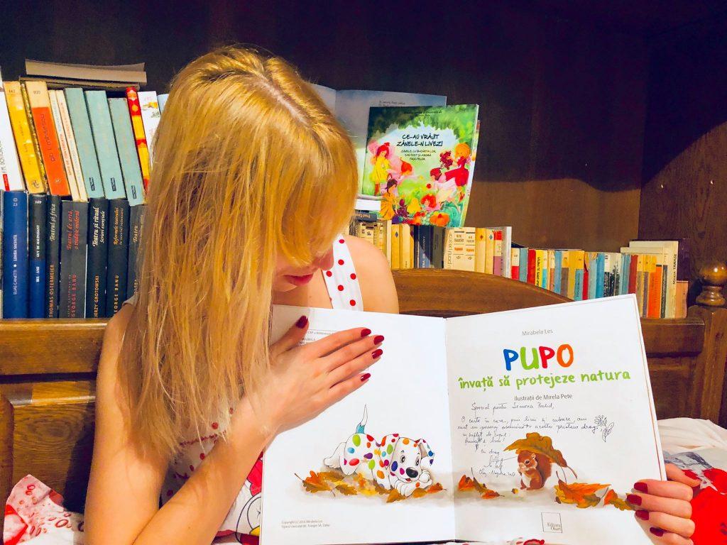 Simona Poclid, scriitoare (Teatru în stomac), fericită alături de Pupo